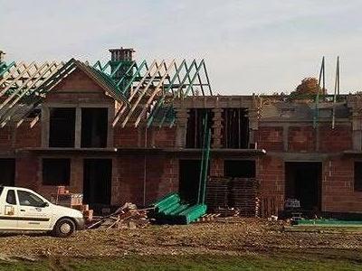 budowanie dachu