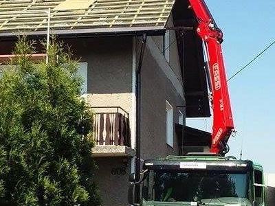 ciężarówka pod domem