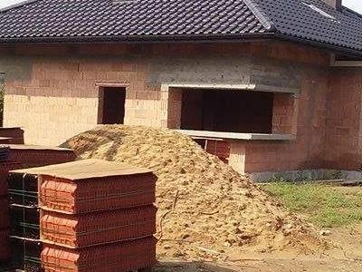 dom z gotowym dachem 05