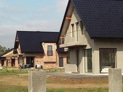 dom z gotowym dachem 12